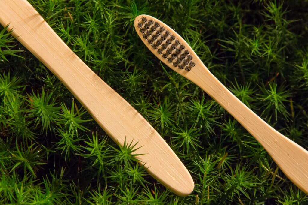 Bambusová kefka medium