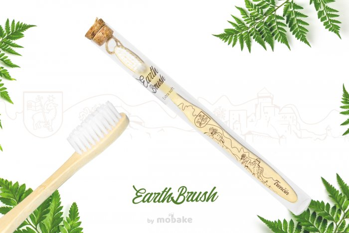 EarthBrush Trenčín - zubná kefka suvenír, bambusová kefka Mobake